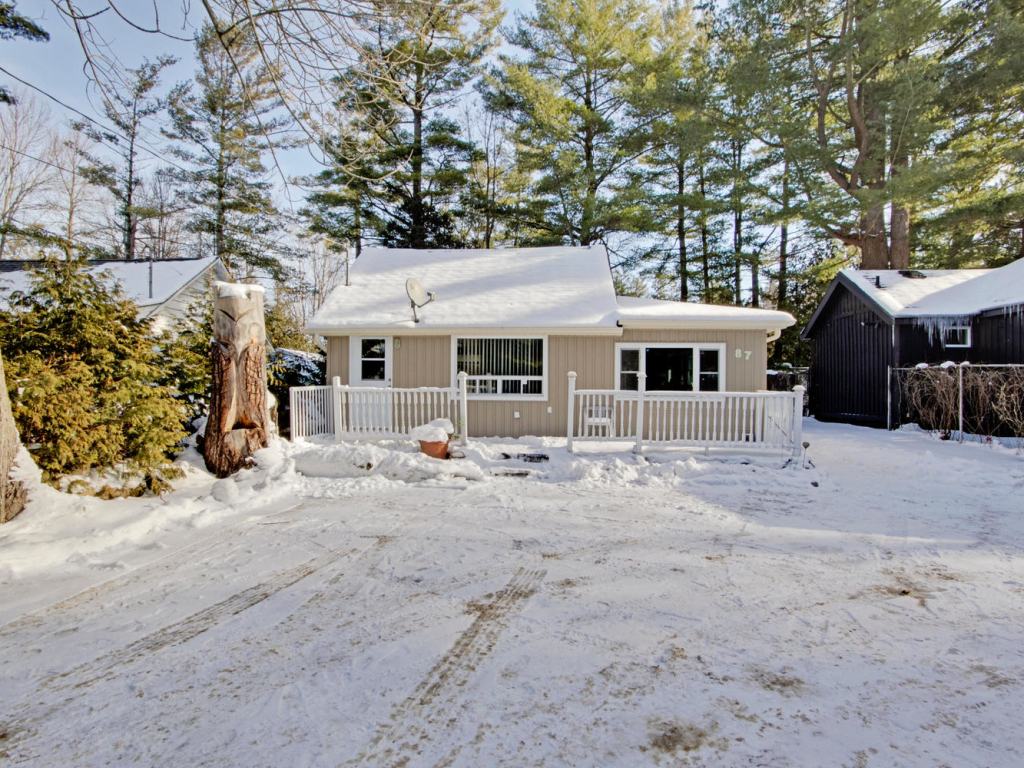 87 Dunkirk Ave, Sutton ON – Real Estate in Sutton Ont