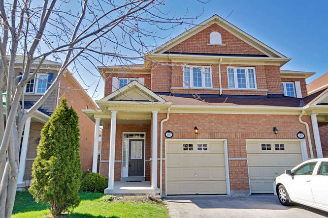 3897 Stardust Dr, Mississauga ON – Photographers for Real Estate