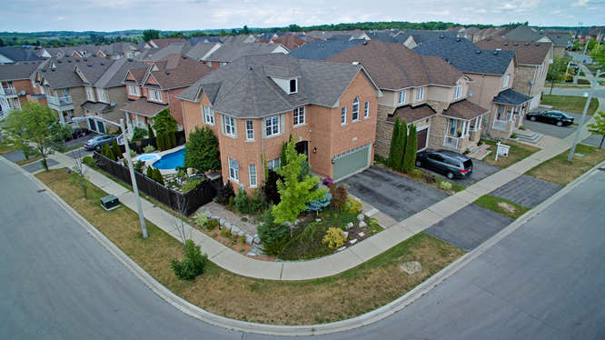 23 Trish Drive, Richmond Hill ON – Video for Real Estate