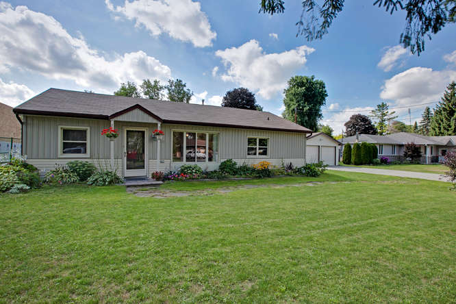 15 Farr Ave, East Gwillimbury ON – Photography for Real Estate