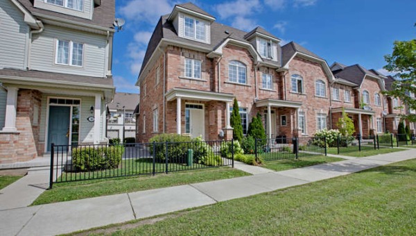 52 Wicker Park Way Whitby ON-small-001-31-Front Elevation-666x444-72dpi