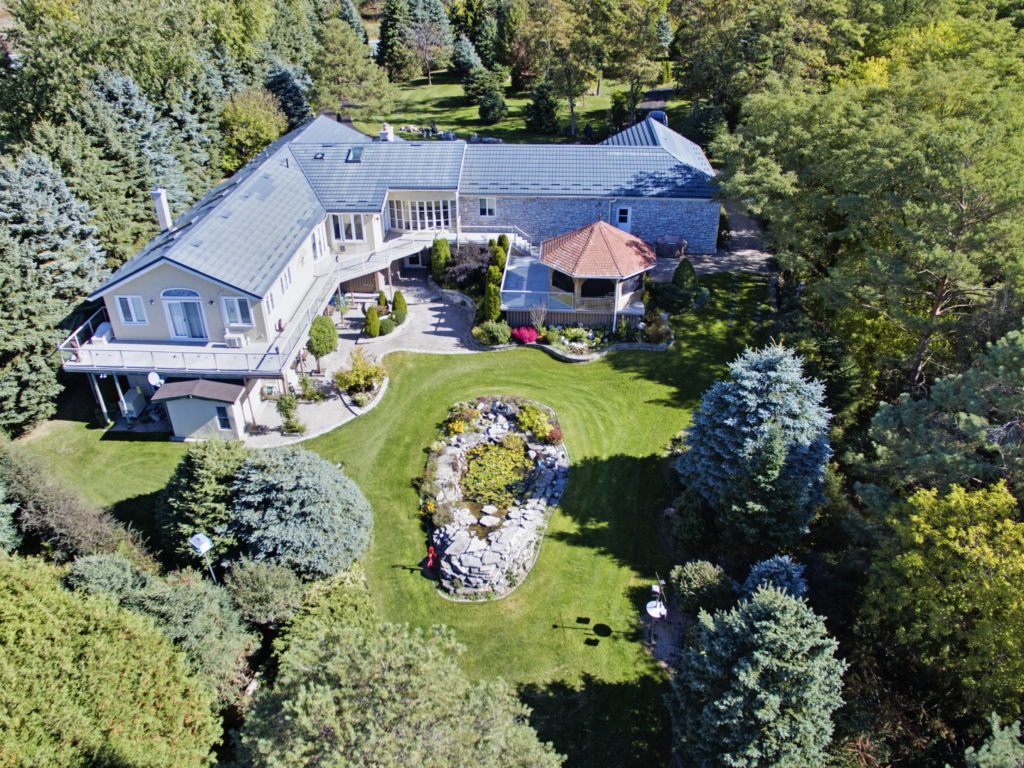 Drone Video of a Gorgeous Property – Drone Photographers in York Region