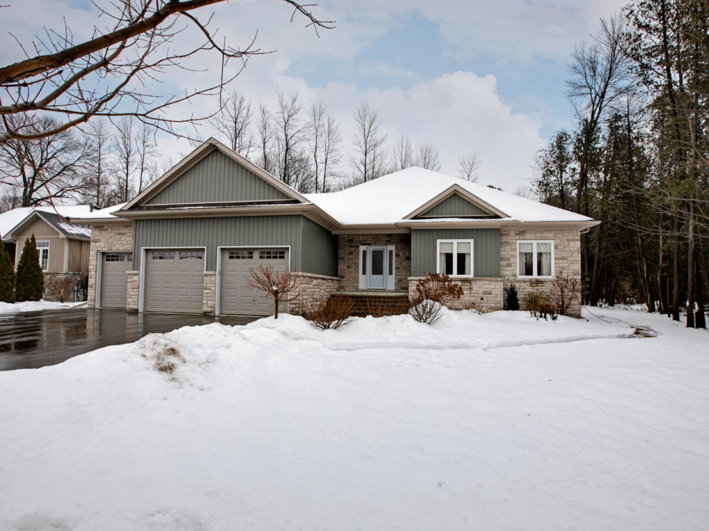 63 Huntley Dr, Willow Beach – Real Estate Photographers in Georgina