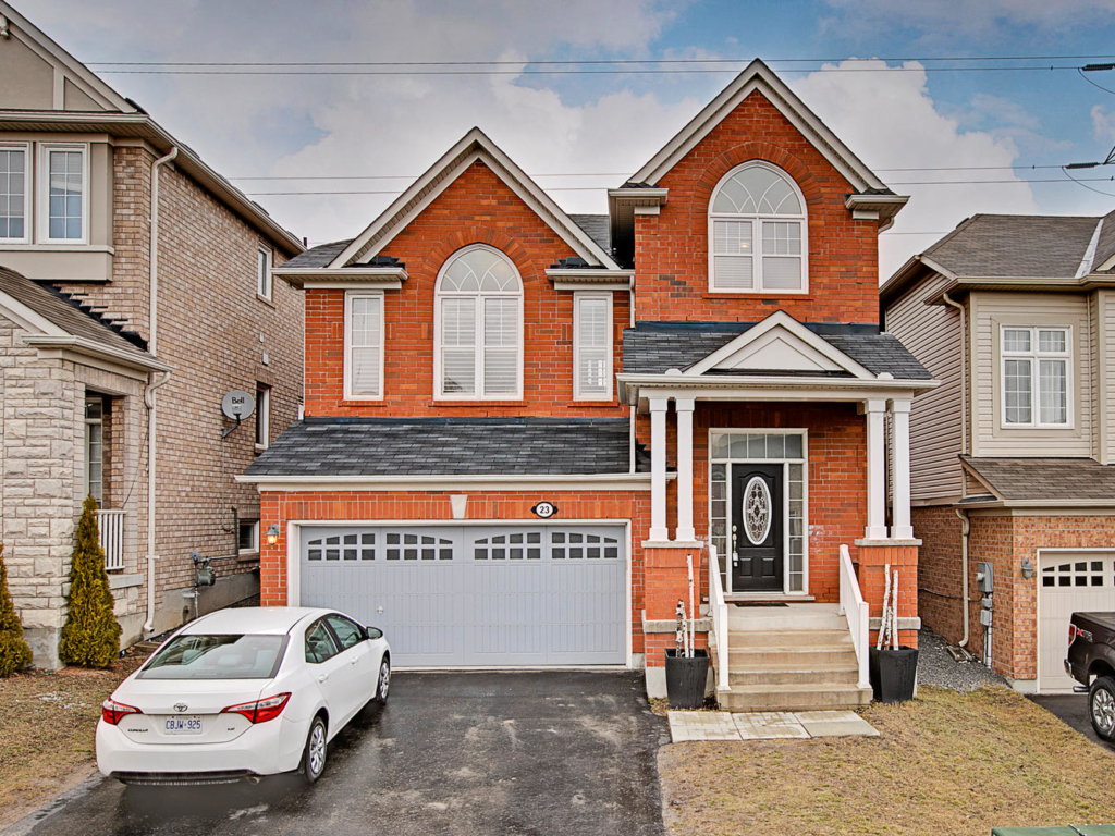 23 Bulmer Crescent, Newmarket ON – Real Estate Photography in Newmarket