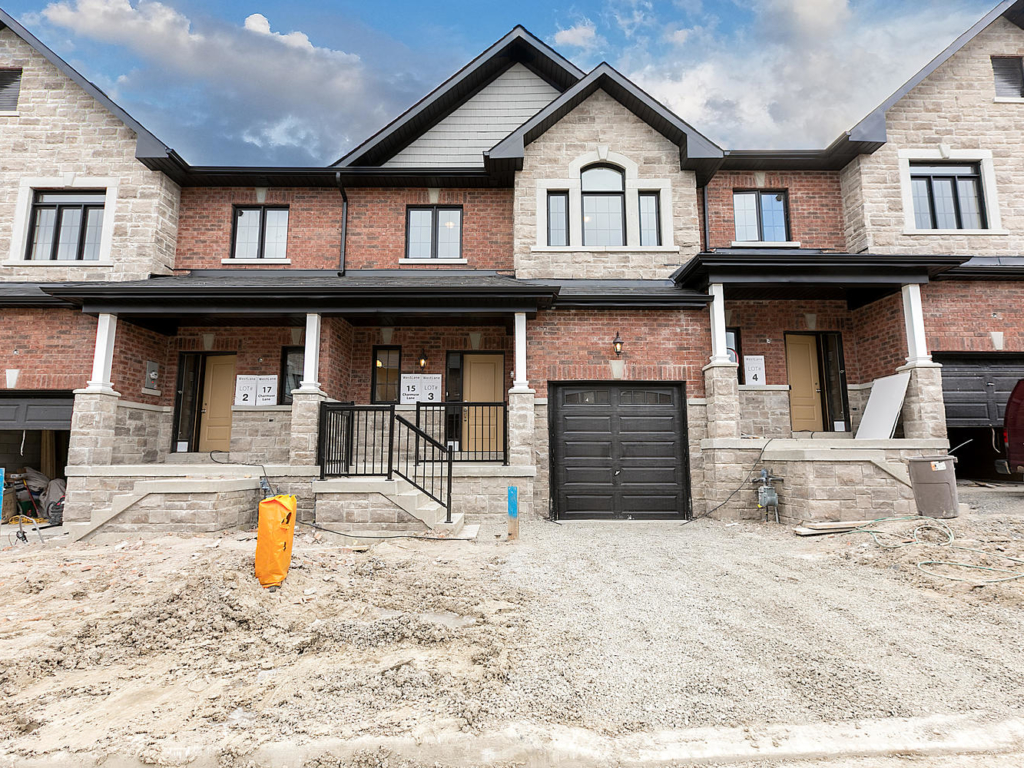 3 School St, East Gwillimbury ON  – Photography for Real Estate in Holland Landing