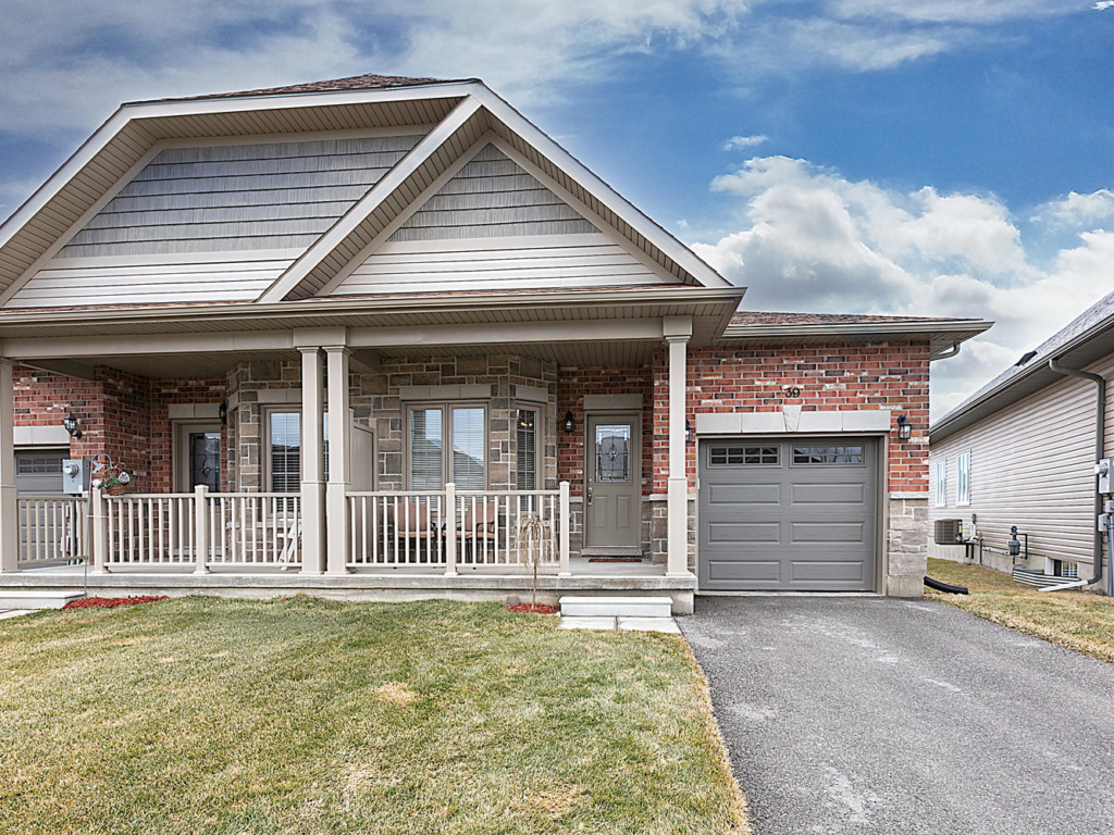 39 Kingsmere Dr, New Tecumseth ON  – Photography for Real Estate in Barrie, ont