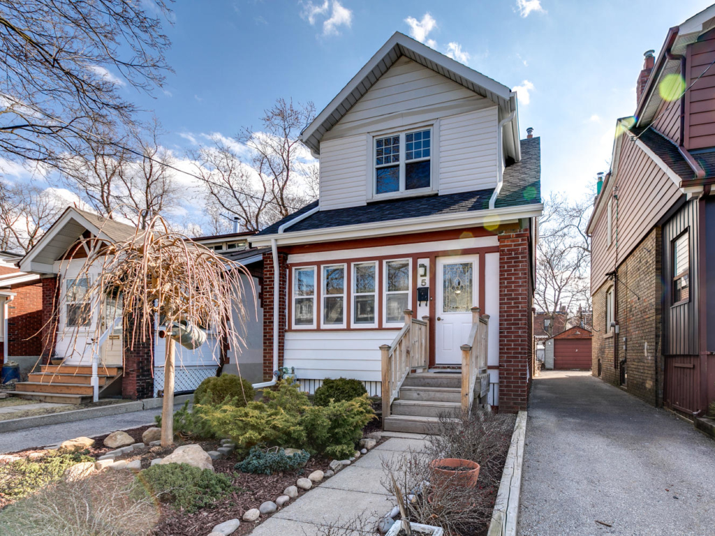 5 Costain Ave, Toronto ON – Real Estate Photography in Toronto, Ont