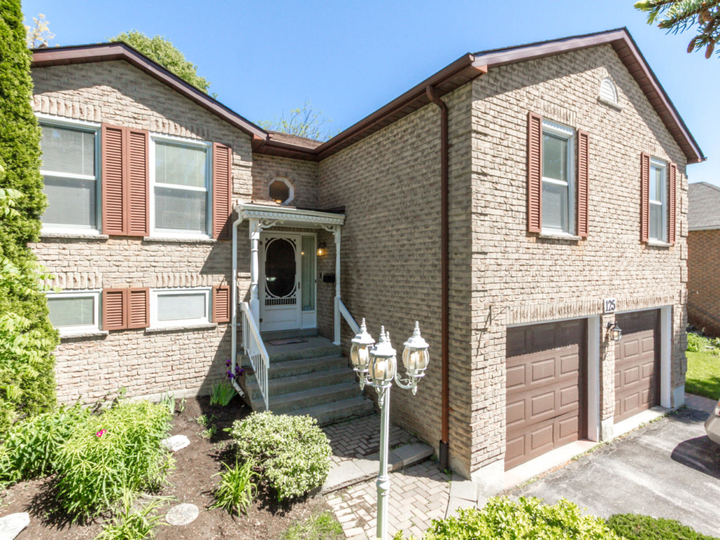 125 Grant Blight Crescent, Newmarket – Real Estate Photography in Newmarket