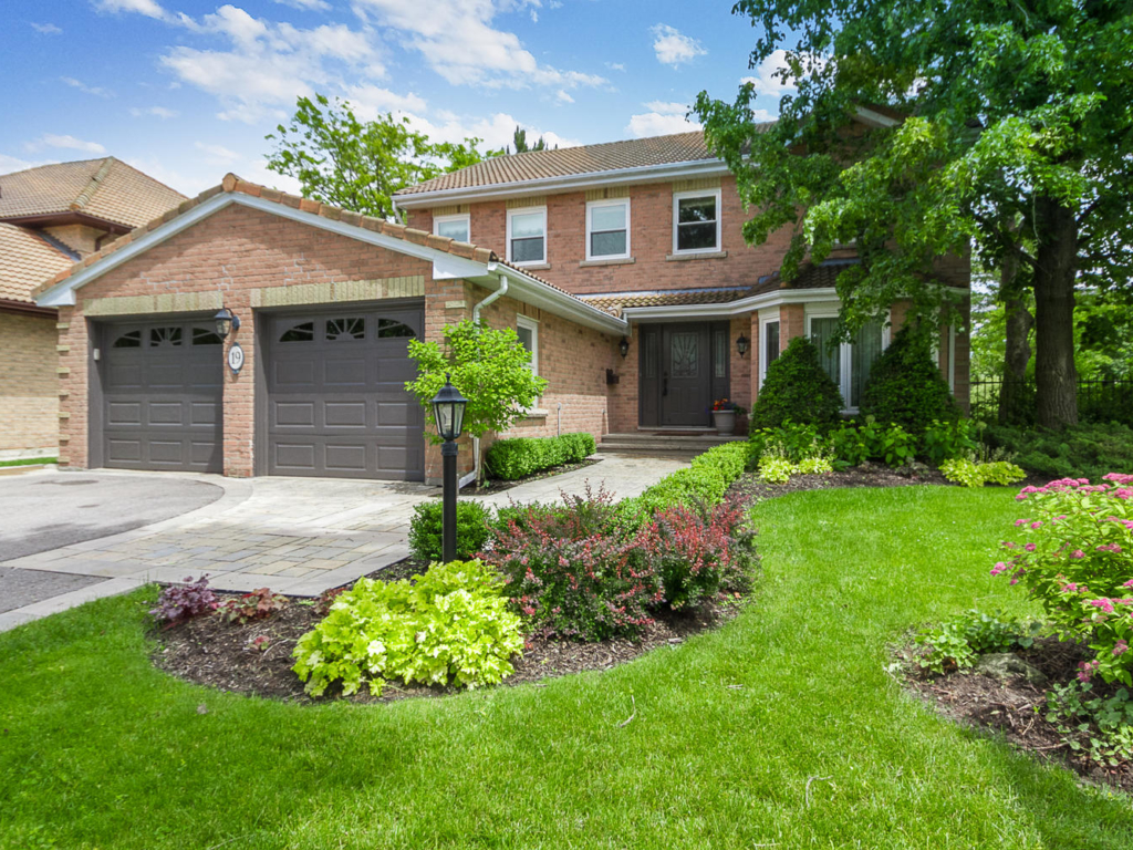 19 Cranberry Ln, Aurora ON  – Photography for real estate
