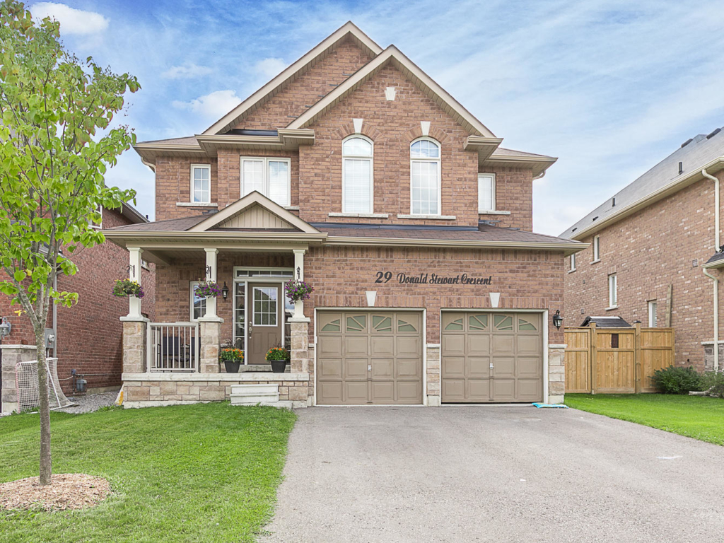29 Donald Stewart Crescent, East Gwillimbury ON – Real Estate Photography in York Region