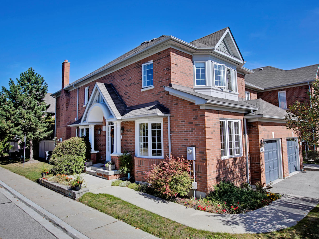 190 Harding Blvd W, Richmond Hill ON – Real Estate Photography in Richmond Hill
