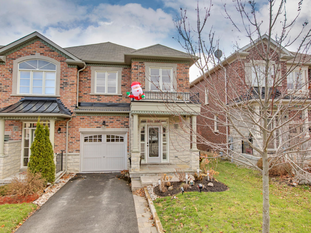 432 William Dunn Crescent, Newmarket ON – Real Estate Photography