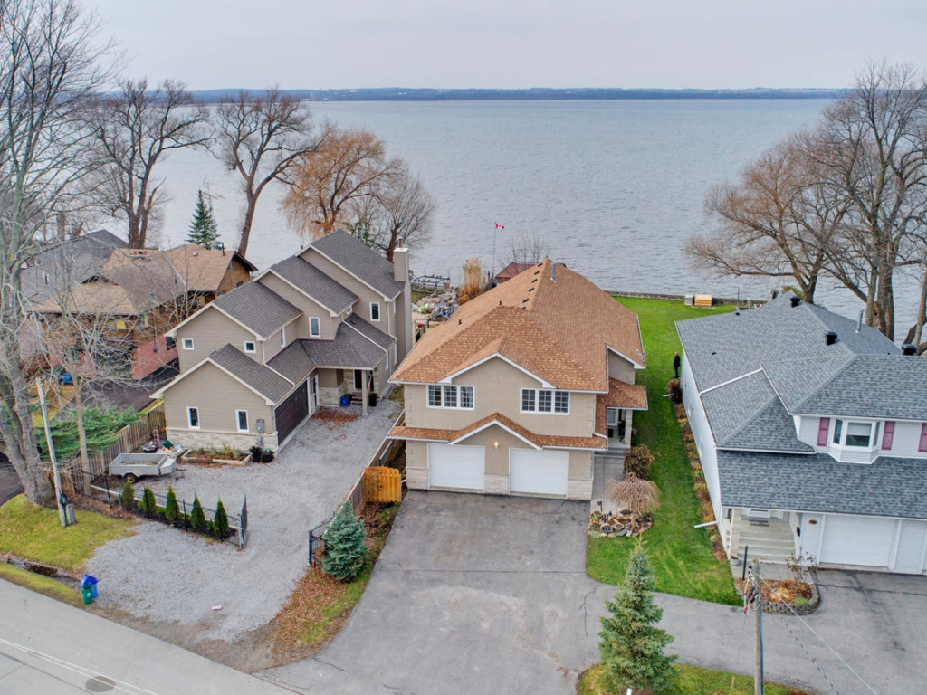 444 Lake Dr, Keswick ON  – Real Estate and Drone photography