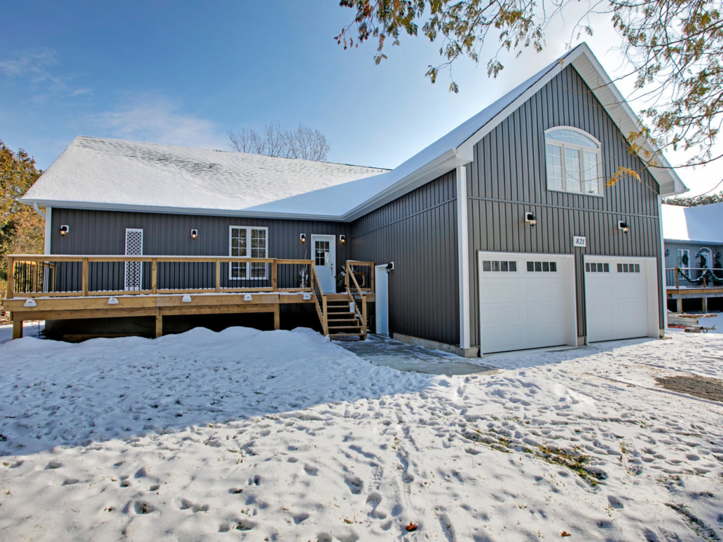 821 Fairbank Ave, Willow Beach ON – Real Estate Photography