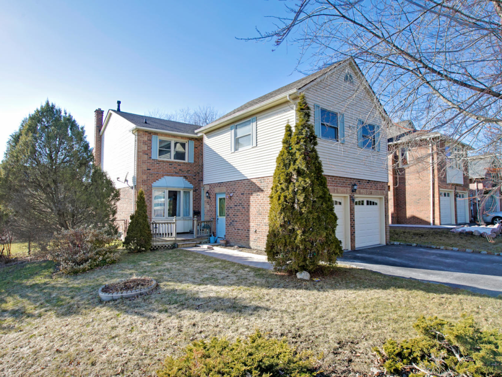 39 Peevers Crescent, Newmarket ON  – Photography in Real Estate