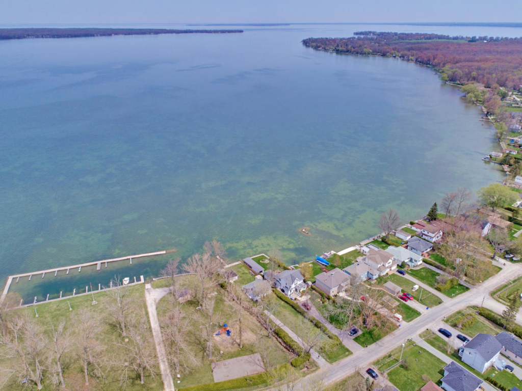 54 Lakeshore Rd, Georgina ON – Photography for Real Estate in Pefferlaw