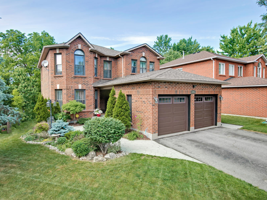 769 College Manor Dr, Newmarket  – Luxury Real Estate Photographers