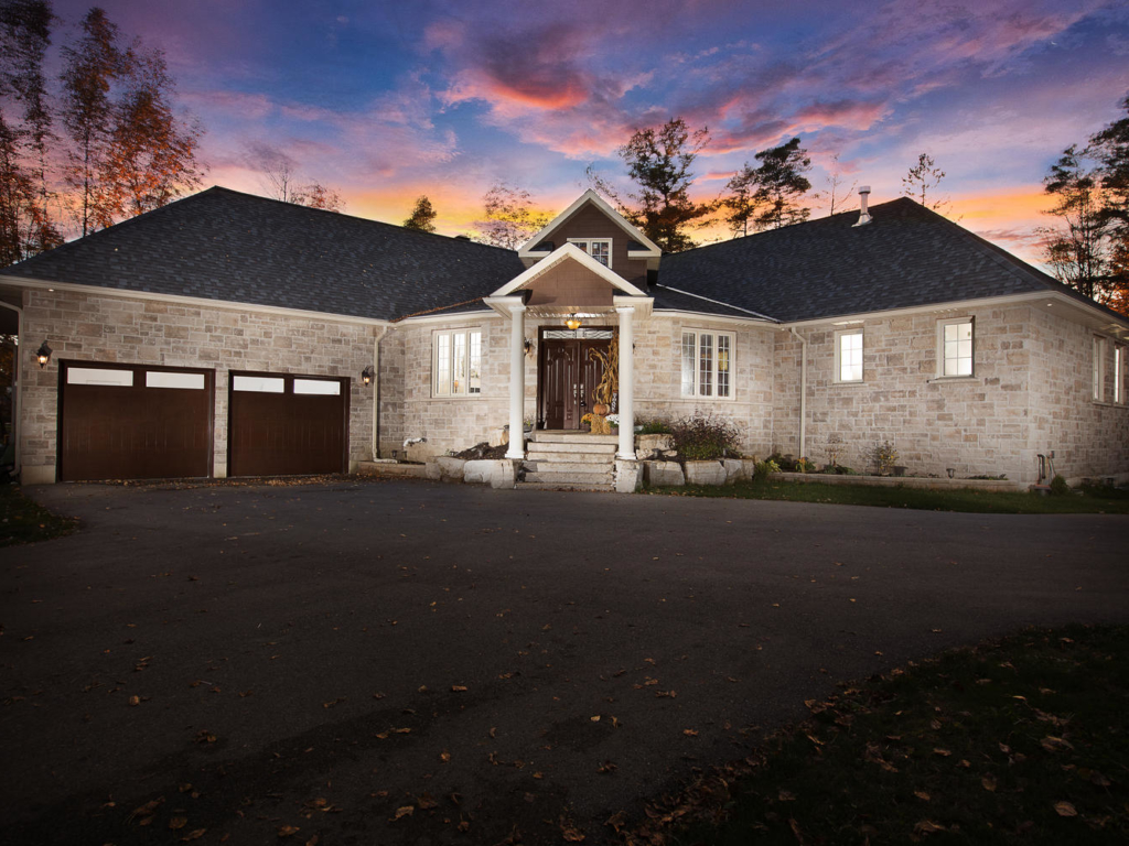 1989 Lewis Ln, Orillia ON – Twilight photography for Real Estate