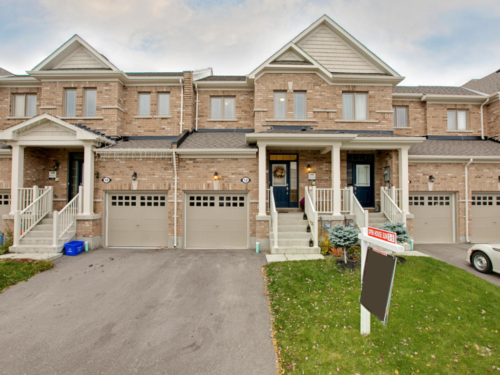 Sharpe Crescent, New Tecumseth ON – Photograph for Real Estate
