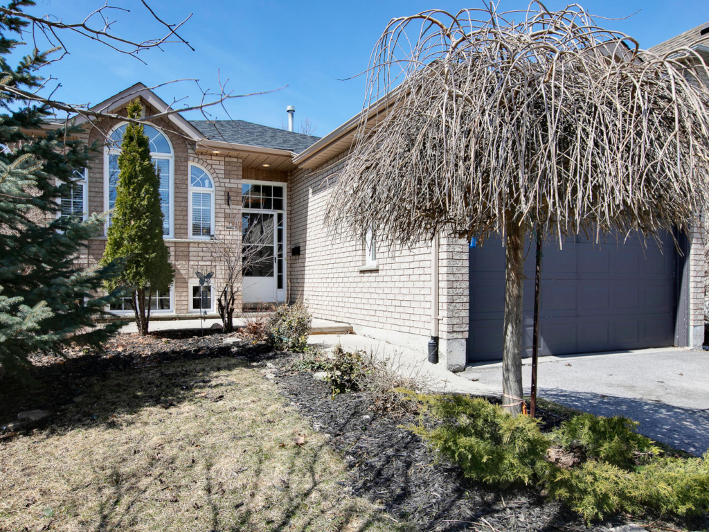 223 Wessenger Dr, Barrie ON – Real Estate Photography