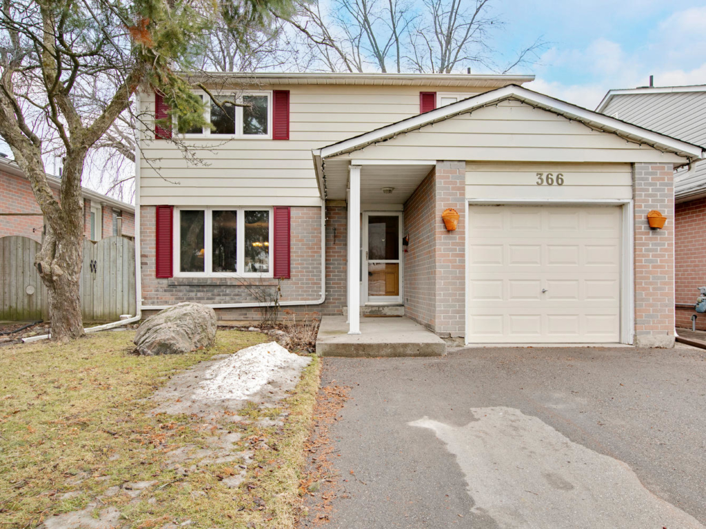 366 Terry Dr, Newmarket ON – Photography for Real Estate