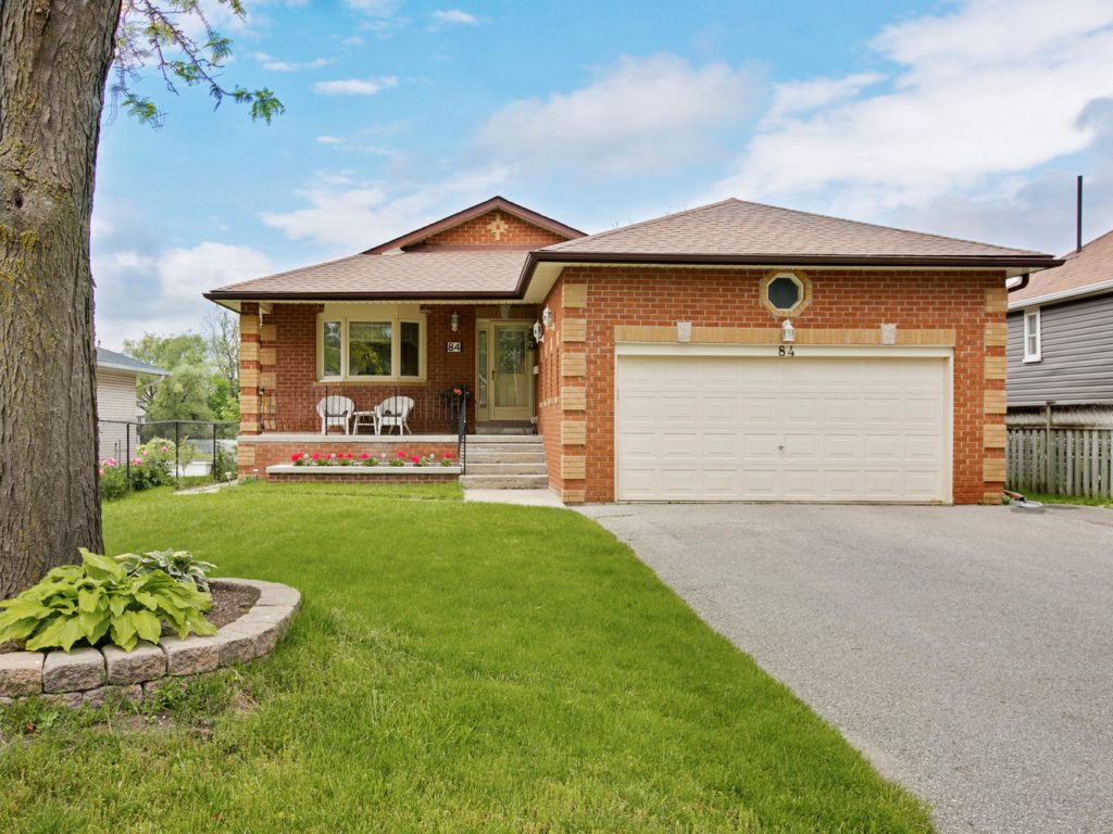 84 Riverglen Dr, Georgina ON  – Real Estate Photography