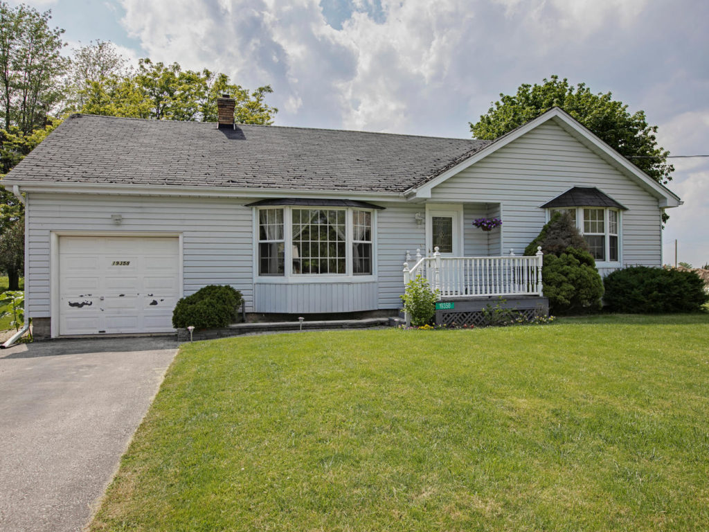 19358 Centre St, Mount Albert ON – Real EState photography