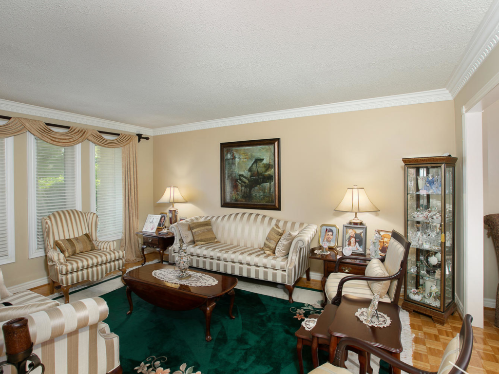 3 Strathearn Ave, Richmond Hill ON – Photography for Luxury Real Estate