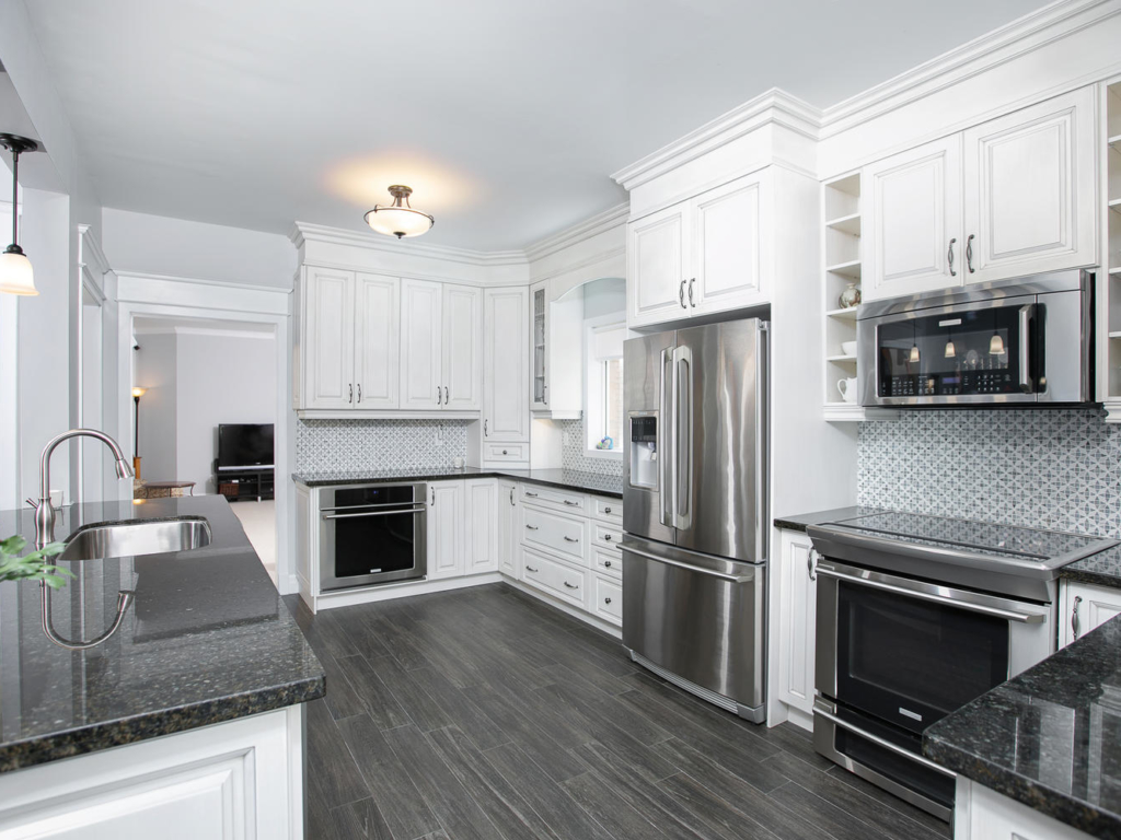 401 Hewitt Cir, Newmarket ON – Photography for Real Estate