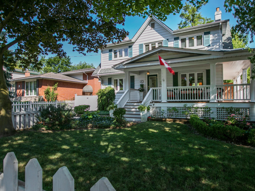 97 Centre St East, Richmond Hill ON – Video and drone for Real Estate