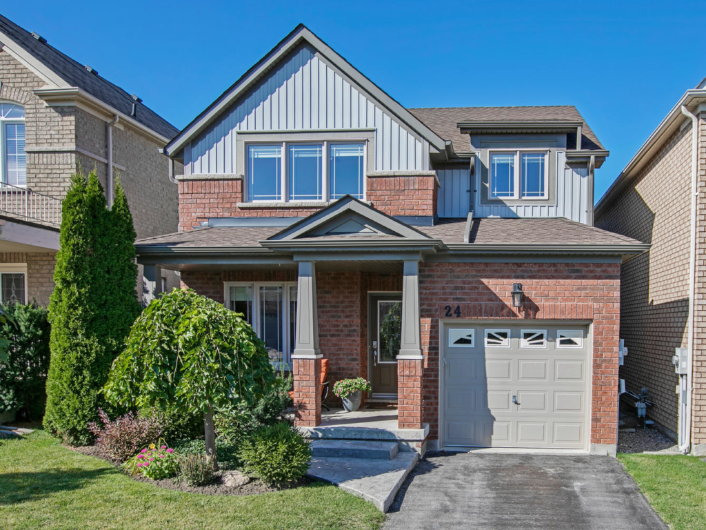 4 Booth St, Bradford West Gwillimbury ON – Real Estate photography in Bradford