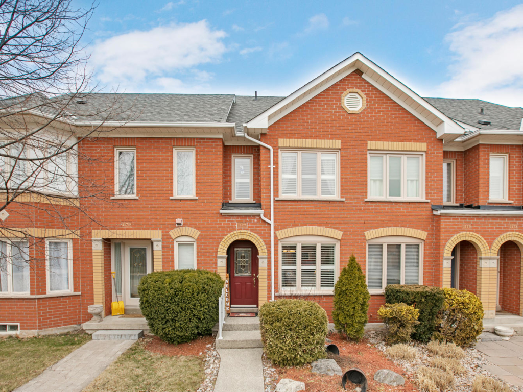 1177 Treetop Terrace, Oakville ON – Photography for Real Estate