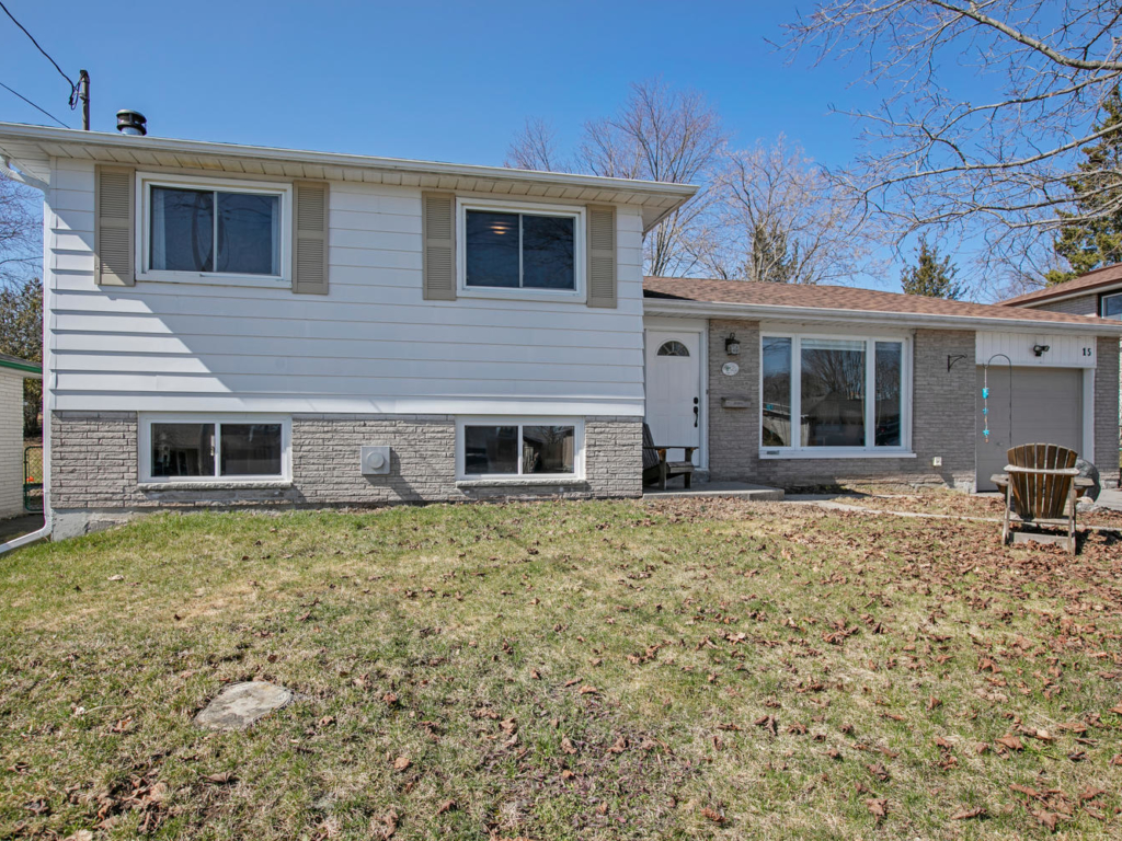 15 Mohawk Drive, Lindsay ON – Real Estate Photography