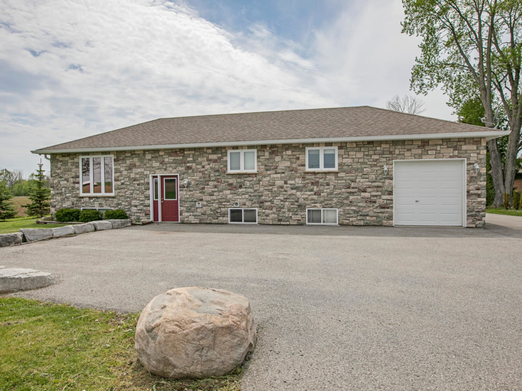 26114 Warden Ave, Georgina ON – Photography for Real Estate