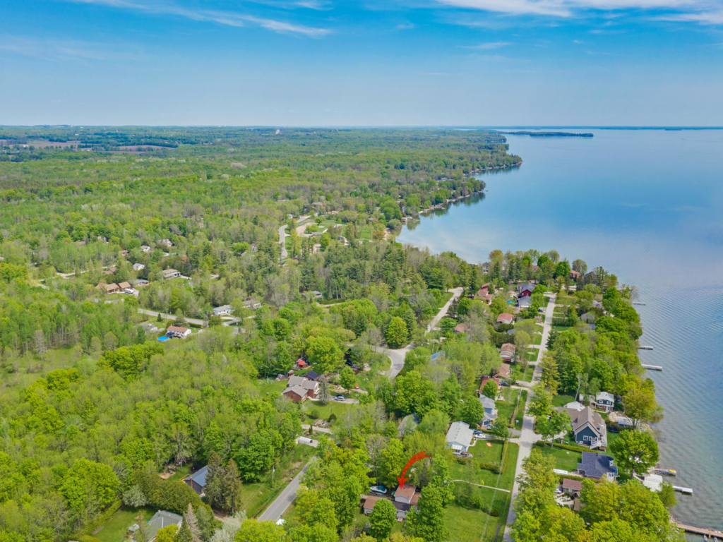 71 Lakeshore Rd E, Oro Station ON – Drone photography for Real Estate