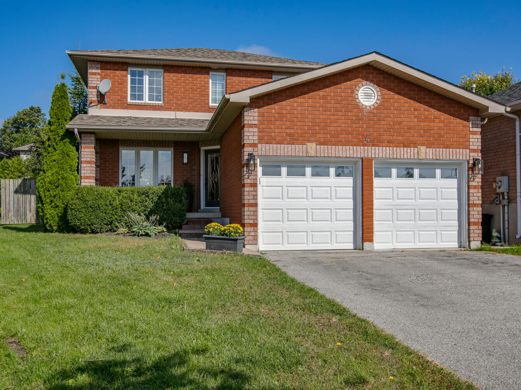 4 Boorman Ct, Barrie ON – Real Estate Photography in Toronto